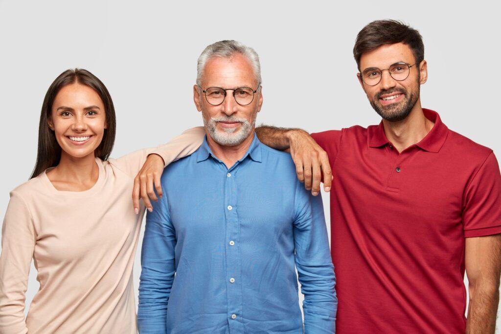 Las posiciones de una familia en una foto